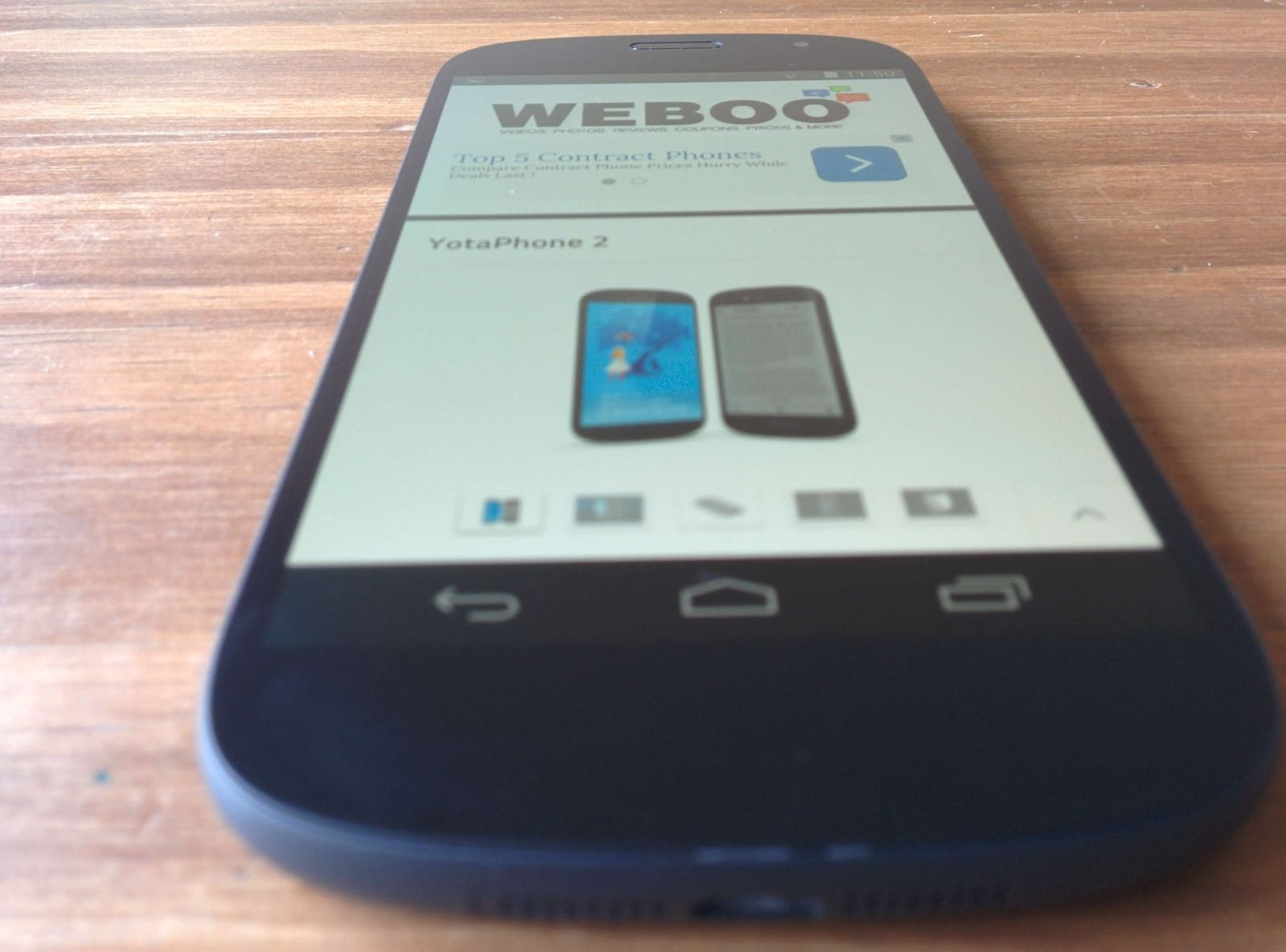 yotaphone-2-review-display-weboo-co-1