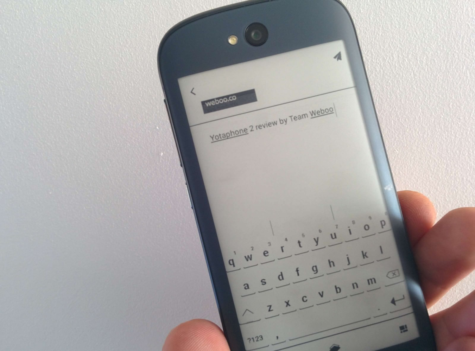 yotaphone-2-review-e-ink-weboo-co-8