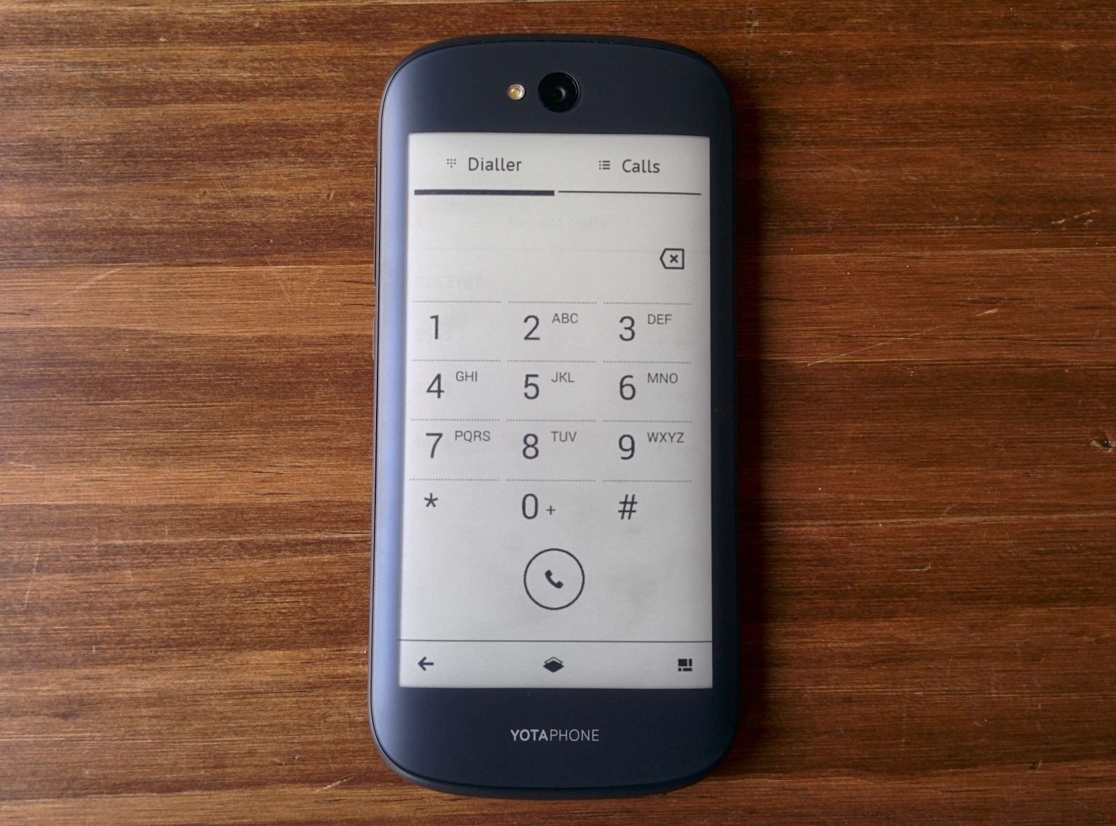 yotaphone-2-review-e-ink-weboo-co-9