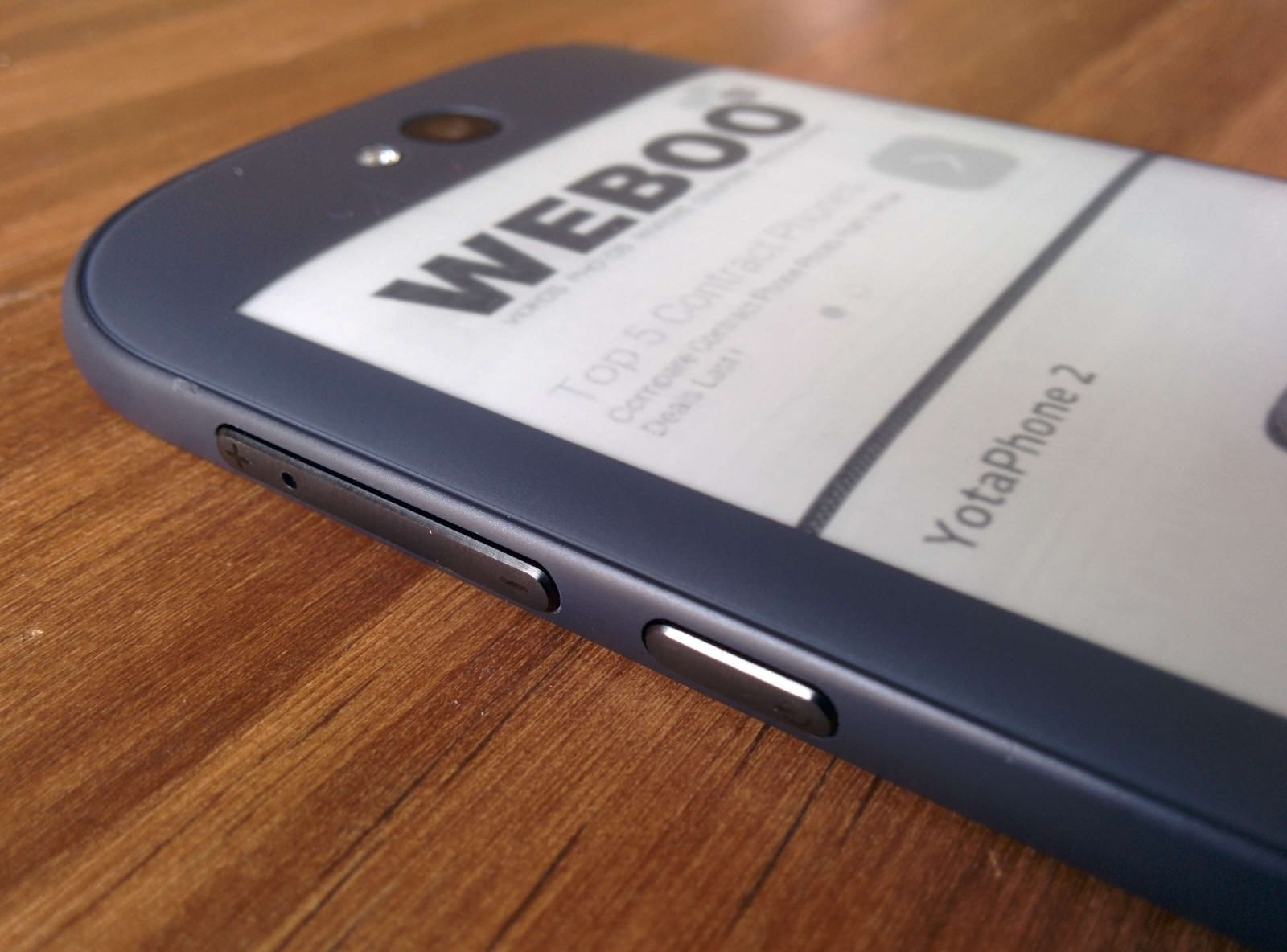 yotaphone-2-review-weboo-co2